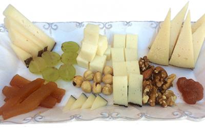 Tabla de queso con membrillo